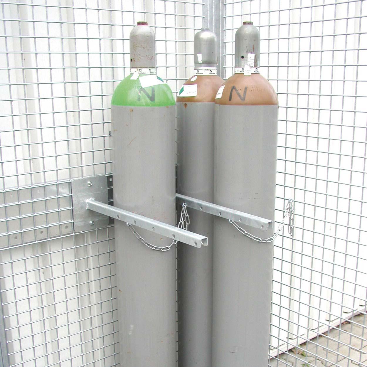 Držiak na tlakové fľaše pre klietky